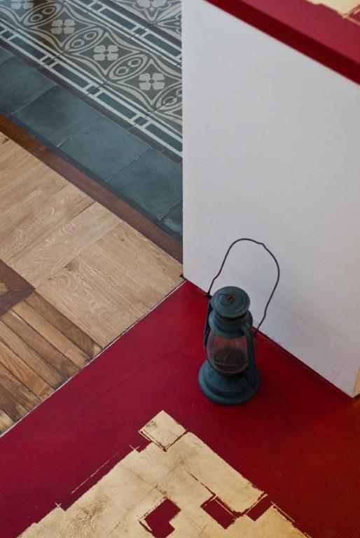 mumble-mumble-pavimento-ingresso-rossoeoro-luosi