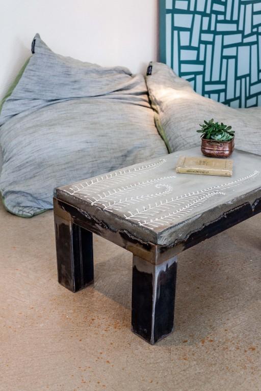 Tavolino ferro e cemento